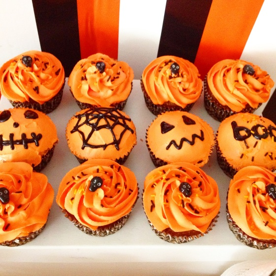 "<img src=""halloween-cupcakes.jpg"" alt=""Halloween Cupcakes"" />"